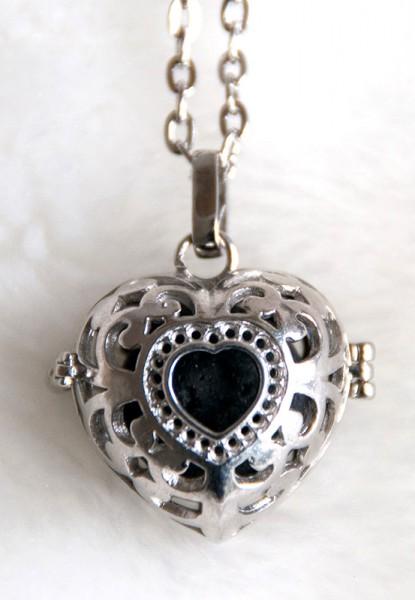 Kette mit Lavasteinkugel - 2 Herzen